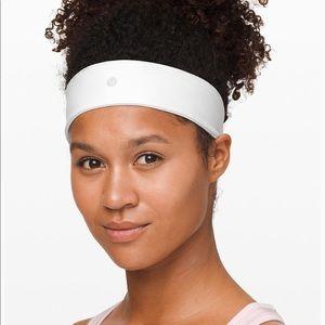 Lululemon Flyaway Tamer Headband